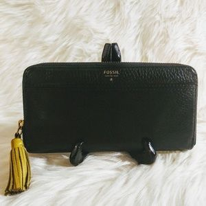 🎀Fossil Black Pebble Leather Wristlet Wallet
